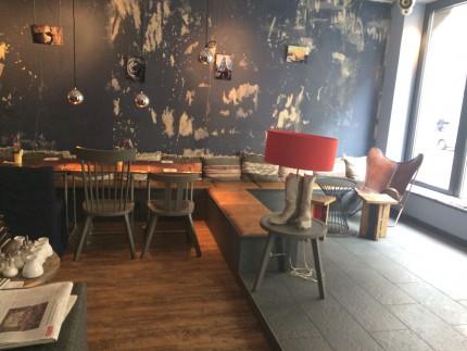 Chez Ima, Frankfurt - Inside