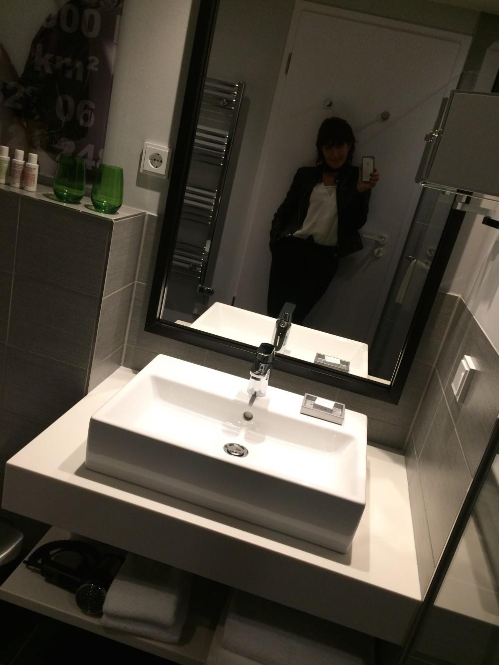 Bathroom Capri by Fraser