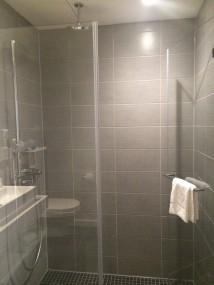 Shower Capri