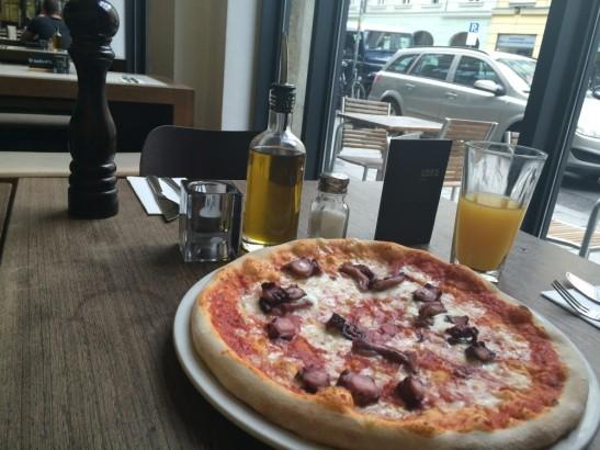 Pizza Polipo @Nero