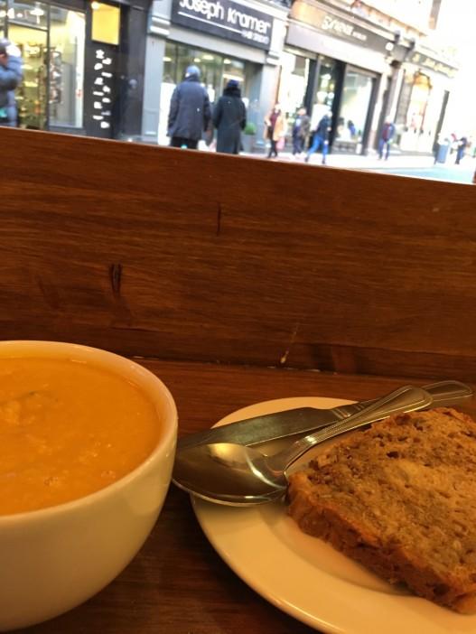 kleine Karotten-Ingwer-Suppe