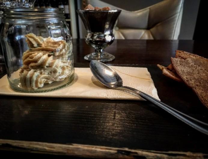 The Larder - Hummus & Crostini