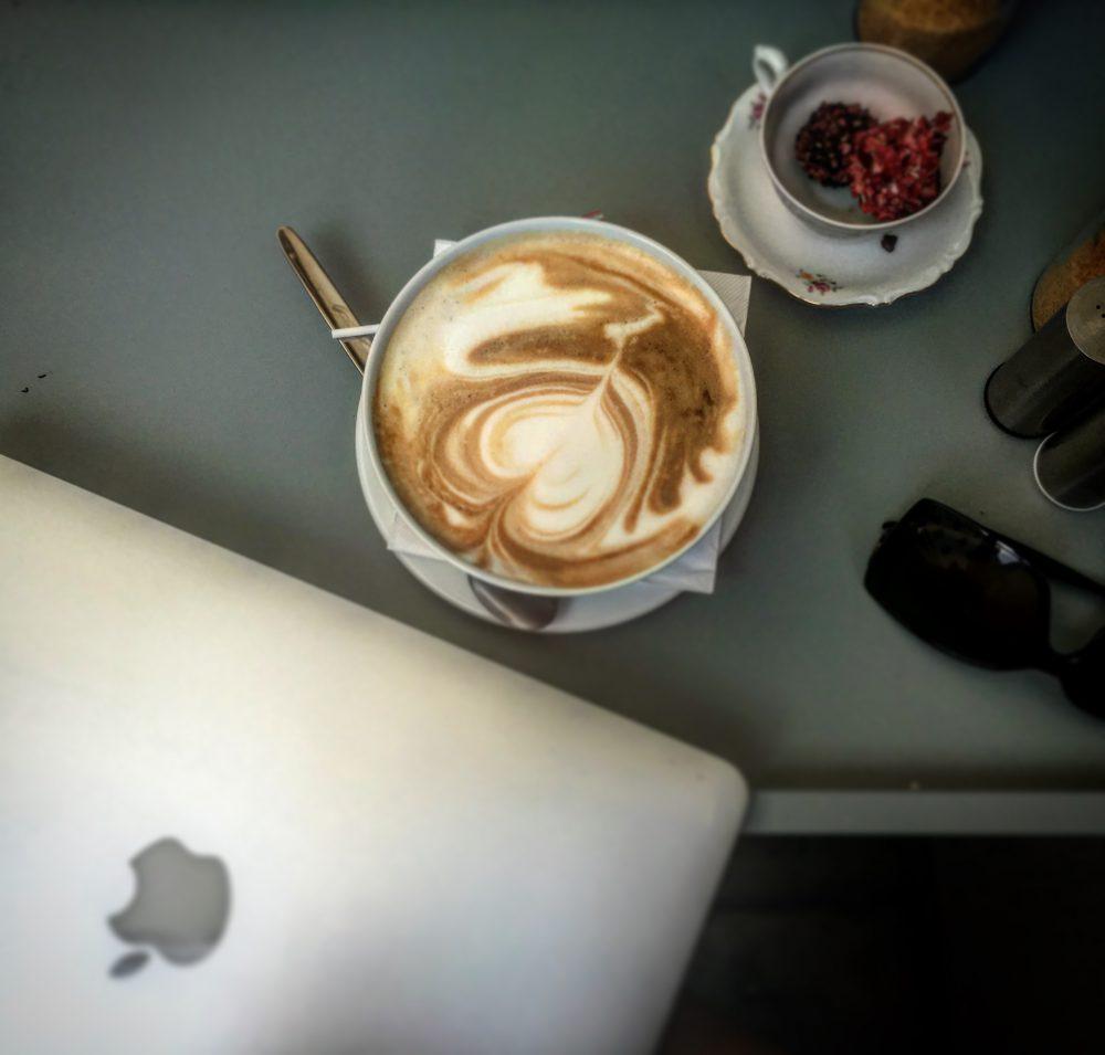 T7 Café; Kaffee und Pralinés
