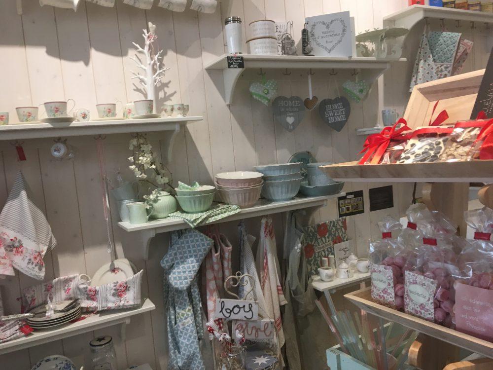 T7 Café, Shop, Gifts